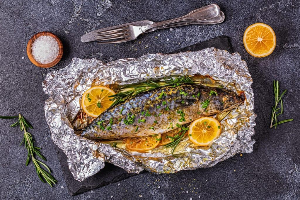 Mackerel baked in foil with spices